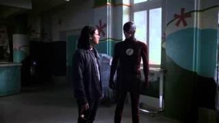 The Flash: S2E18 - Cisco opens the breach/The Flash Vs Zoom Part 1