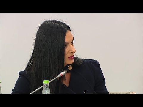 Елена Исинбаева рассказала Путину про тупик с ремонтом спортшколы в Волгограде