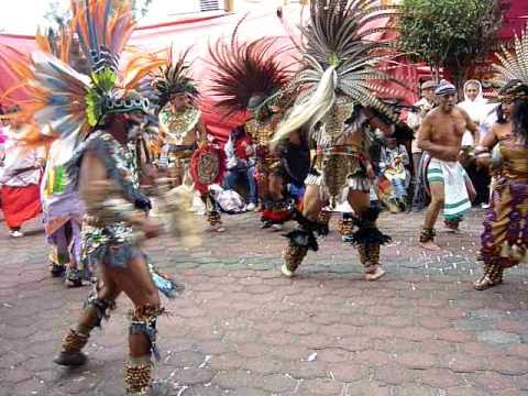 DANZANTES AZTECAS SAN JUANITA 2011 - YouTube