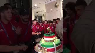 Чеченцы подарили Салаху 100-килограммовый торт