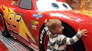Величезний Блискавка Маквин Перетворення Блискавки Макквін з маленької машини в Гігантську Тачки 3 cars