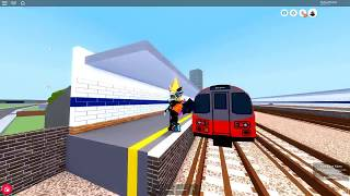 Mind the gap | 1995 stock on the Subsurface tracks (RoBlox)