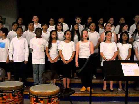 Make New Friend - Traditional Girl Scout Song / Música tradicional das escoteiras.