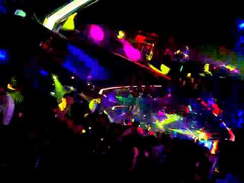 Techno at Club Avatar!!