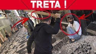 Baixar BATI EM UM MORADOR DE RUA QUE ME PEDIU DINHEIRO - DEU POLICIA !?