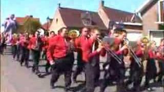 ASH DOM Jistebník hraje v ulicích Le Bizet (Francie, Belgie)