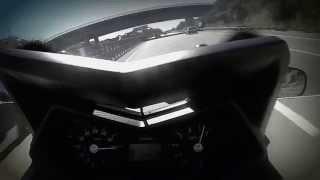 tmax 530 vs moto guzzi