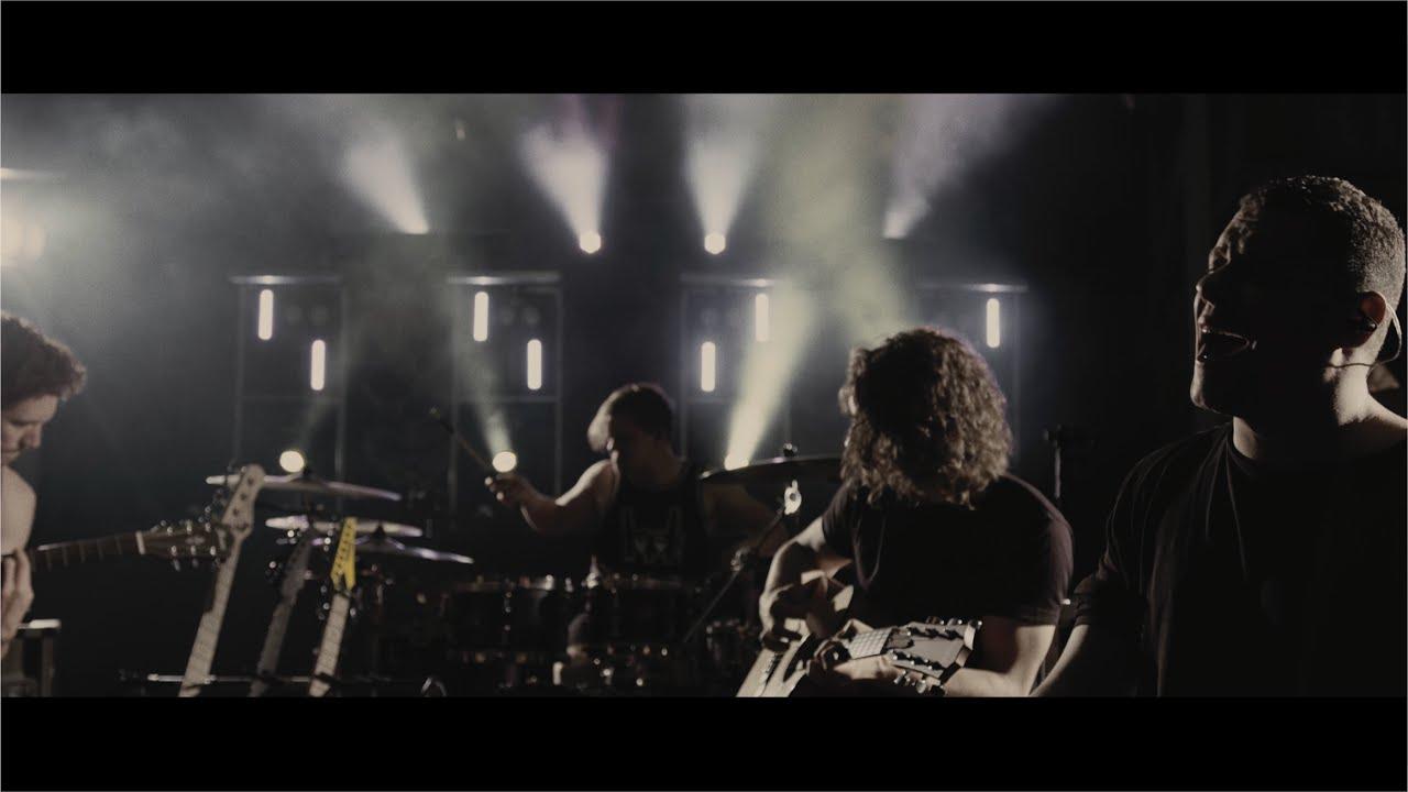 Leander Kills - Nem akarok többé játszani (Official Music Video)