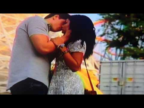 Happyland-1x01 Lucy and Ian first kiss