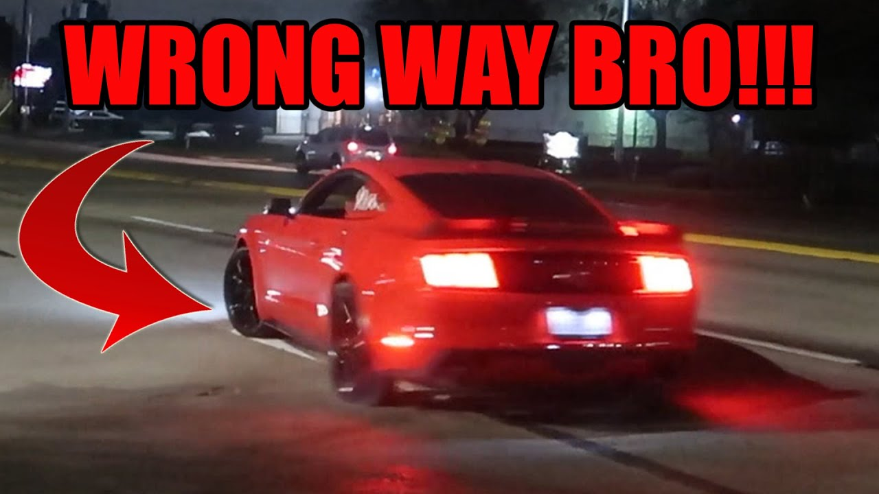 MUSTANG DRIVER GOES WILD & DOES DONUTS LEAVING DA PUB CAR SHOW!!!