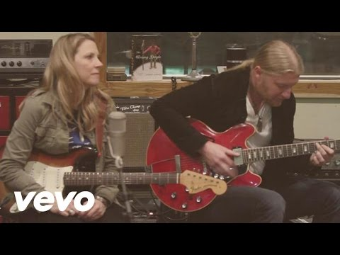 Tedeschi Trucks Band - Part of Me (acoustic)