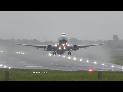 Ryanair Boeing 737 Late take off on wet runway Incredible Mega splash