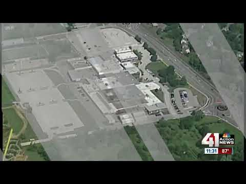 2 shot near Overland Park elementary school