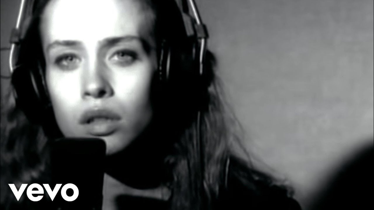 fiona-apple-shadowboxer-fionaapplevevo