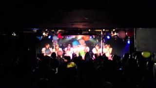 1周年記念ワンマンライブで新曲披露!! 机に刻んだスキデスという言葉...