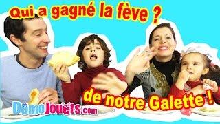 La famille Démo Jouets tire les rois et mange la galette fait maiso...