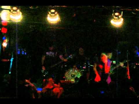 Evergreen Terrace - I'm A Bulletproof Tiger (Live, Club Octane, Charleroi, PA 3-29-2010) mp3