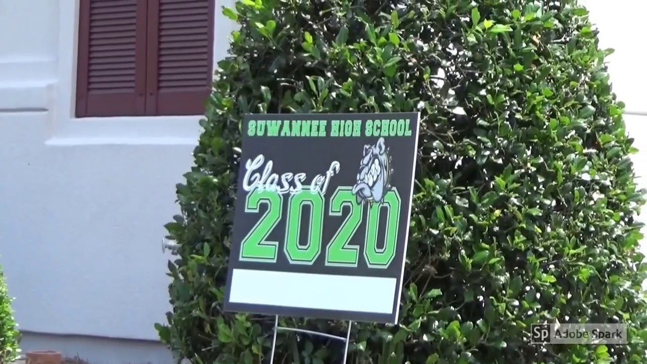 Class of 2020 is honored by Live Oak