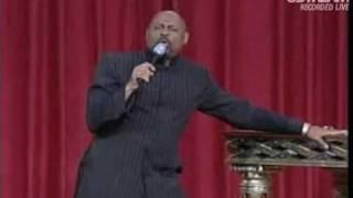 Bishop Paul S. Morton preaching for PMMW Apostolic Pentecost International Convocation
