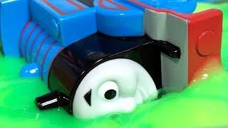 きかんしゃトーマス プラレール ドクターイエローとじこはおこるさ!不思議な粘土やスライムで事故!?Thomas & Friends Accident will happen thumbnail