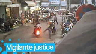 Man Karate Kicks Phone Thieves off their Getaway Bike