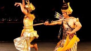 BEAUTIFUL Javanese Ramayana Ballet - RAMA Vs MARICA - Prambanan Indonesia - UKM UKJGS UGM [HD]