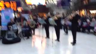 Úraich Brass - entertaining the commuters video 1