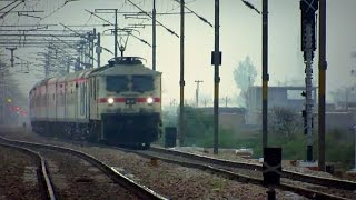 """Twilight Thunder"" WAP-7 August Kranti Rajdhani Express storms Ajhai at 130kmph !!!"