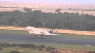 Embraer ERJ-190 de Austral despegando del Aeropuerto de Resistencia (Esquema Skyteam) - SUB