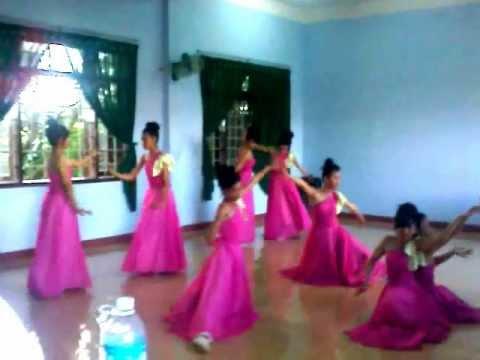 Múa Sắc Hoa Lớp 10A1 Trường THPT Quang Trung Đakmil Đaknong
