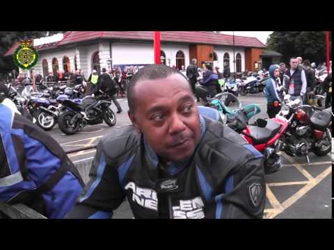 Motorbike safety - Do you wear leathers and why? What do you think of those who don't.