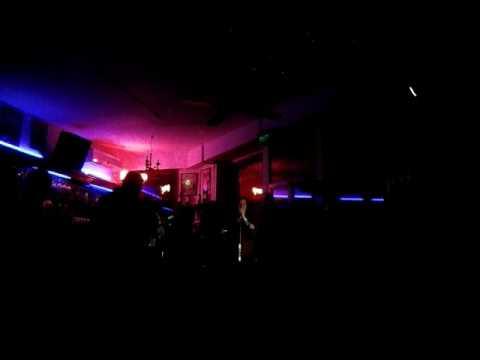 Cover Blues del Equipaje en Rodney Bar