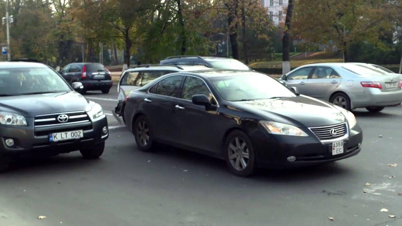 Accident în lanț în fața Președinției RM