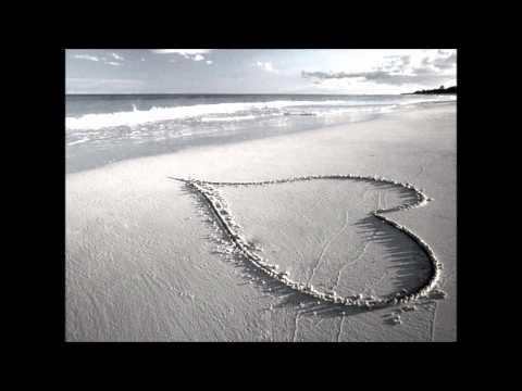 Htoo L Lin - a chit loh khaw  tha lar (Is It Called Love?)