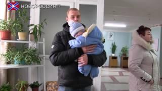 Эвакуация населения из прифронтовых районов Донецка продолжается(Сотрудники МЧС ДНР совместно с военными продолжают эвакуацию населения из прифронтовых районов Донецка...., 2017-02-04T08:55:52.000Z)