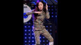크레용팝(CRAYON POP)초아[직캠]FM@20151114 Rock Music