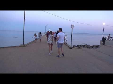 Прогулка по набережной Приморского / Крым / Феодосия