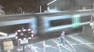 Terrifying level crossing near-miss at Waterbeach, Cambridgeshire