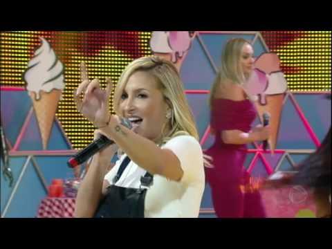 Claudia Leitte sensualiza cantando Eu Gosto no Legendários