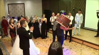 Düğün sonu davul böyle patlatılır :