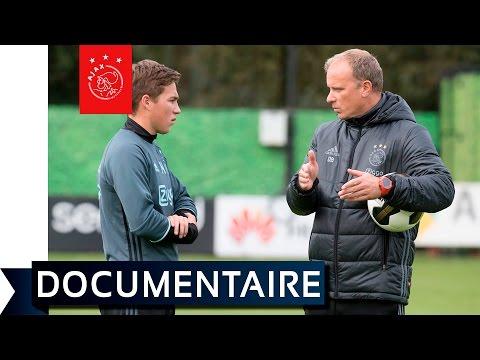 Bergkamp: 'Ajax moet een trendsetter zijn'