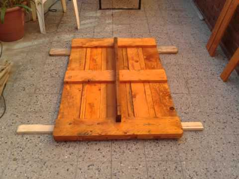 Mesa de jard n con pallets youtube for Palet jardin salon mesa