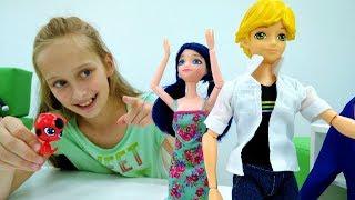 Мультики для девочек #ЛедиБаг и Супер Кот: #Маринетт делает покупки к школе! Видео про кукол