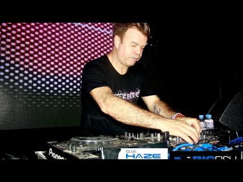 Paul Oakenfold   Perfecto on Tour Brighton Beach UK 05 06 2007