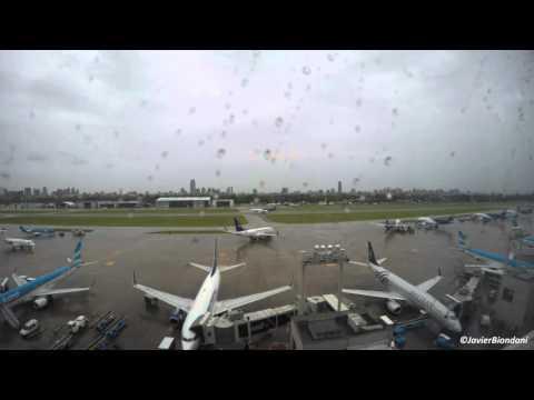 Timelapse Aeroparque Jorge Newbery - Mañana lluviosa 2160p