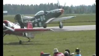 p 51 mustang takeoff and landing Dalajärna airshow 2006