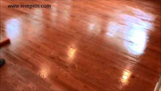 How to apply finish on hardwood floor