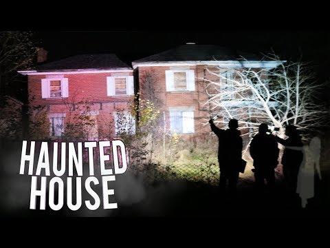 EXPLORING ABANDON  HAUNTED HOUSE AT 3AM