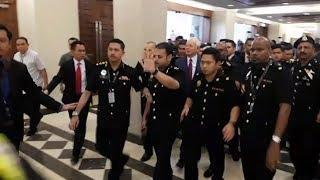 Tuduhan terhadap Najib mula dibaca