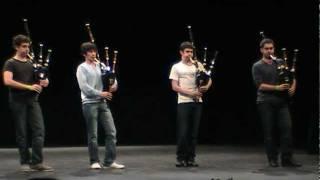 2011  Bagad  Vannes  quatuor cornemuses déc 2011  Kemper